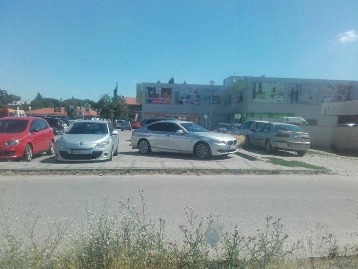 A város más, de a parkolási stílus ugyanaz
