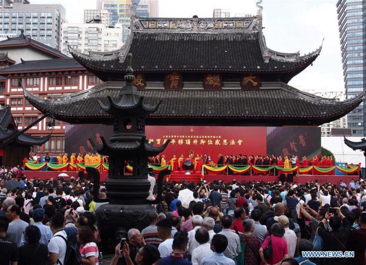 Arrébb toltak és megemeltek egy 135 éves templomot