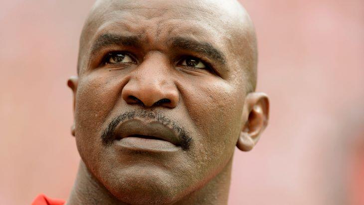 Evander Holyfield tíz év után visszatér, de nem Mike Tyson ellen