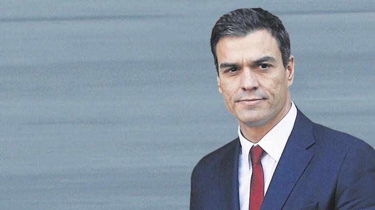 Letette hivatali esküjét az új spanyol miniszterelnök