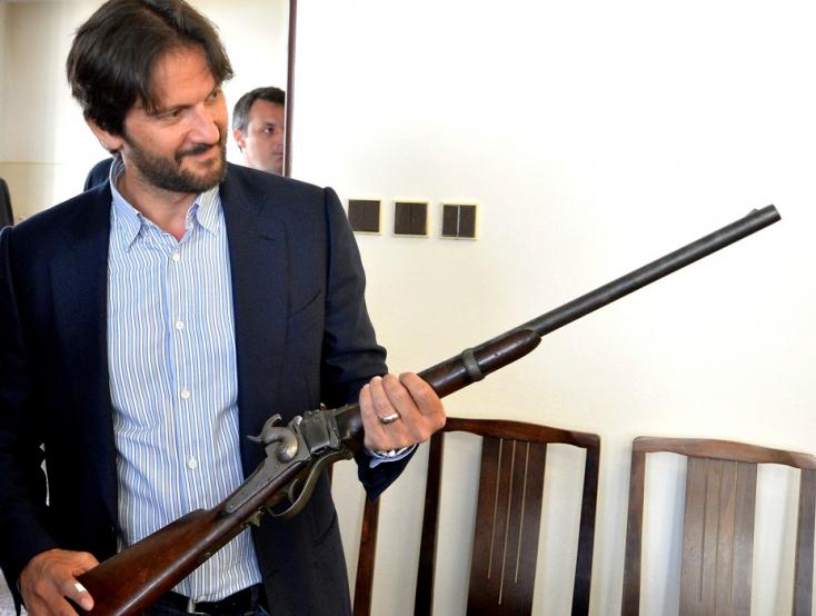 Fegyveramnesztia: Nem sietik el a leadott fegyverek kivizsgálását