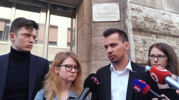 A Tisztességes Szlovákiáért feljelentette Robert Ficót!