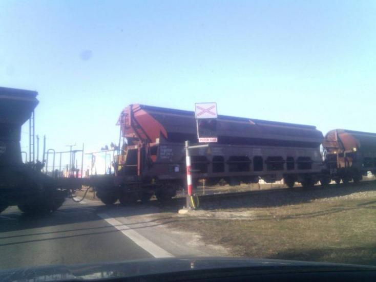 Emberi mulasztás miatt nem figyelmeztetett a fényjelző az érkező tehervonatra Nagymegyernél