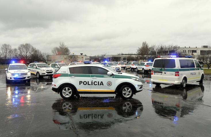Lekapcsolták a férfit, aki fegyveresen kirabolt egy újvári taxist