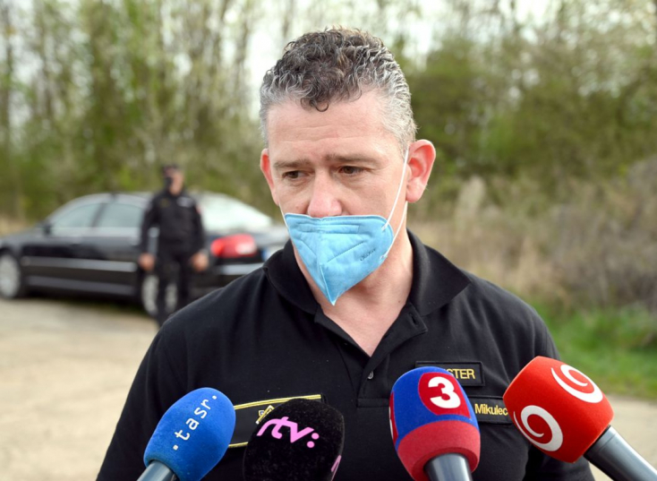 Karanténban van a belügyminiszter, koronavírus-fertőzöttel volt kapcsolatban