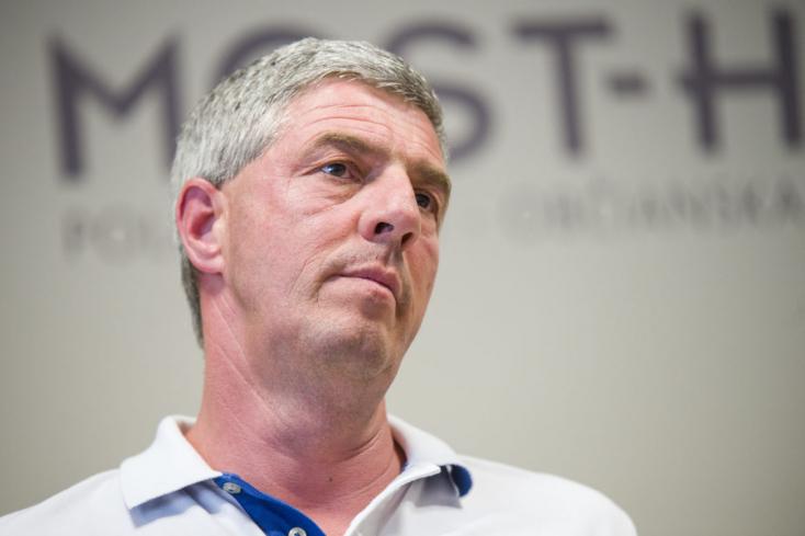 Bugár szerint a választás előtt nem kellene nagyobb horderejű döntéseket hozni