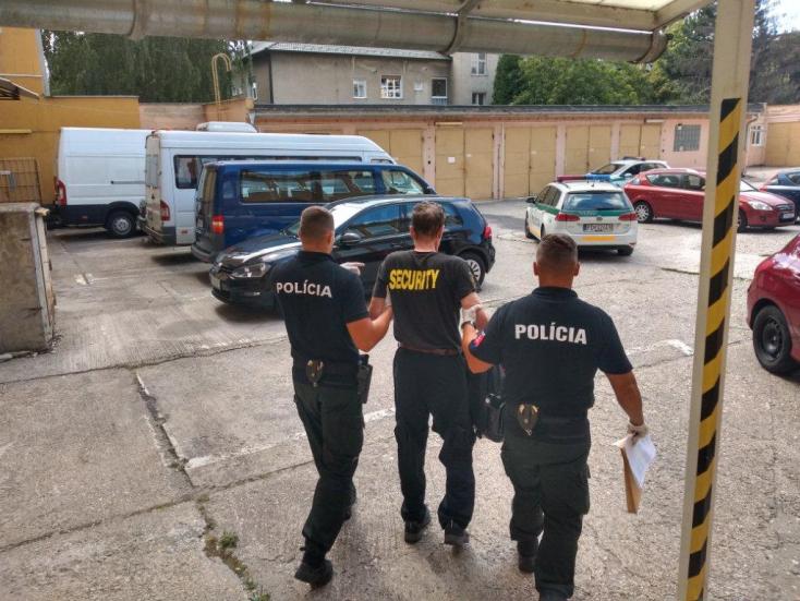 ÉSZMEGÁLL: Több mint három ezreléket fújt a munkába igyekvő piás biztonsági őr