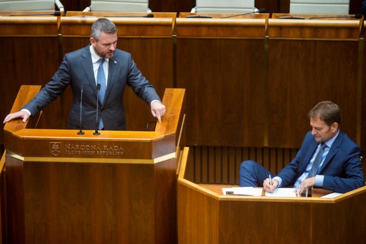 Több mint hét órája ekézik Pellegrinit a parlamentben, kedden szavaznak róla