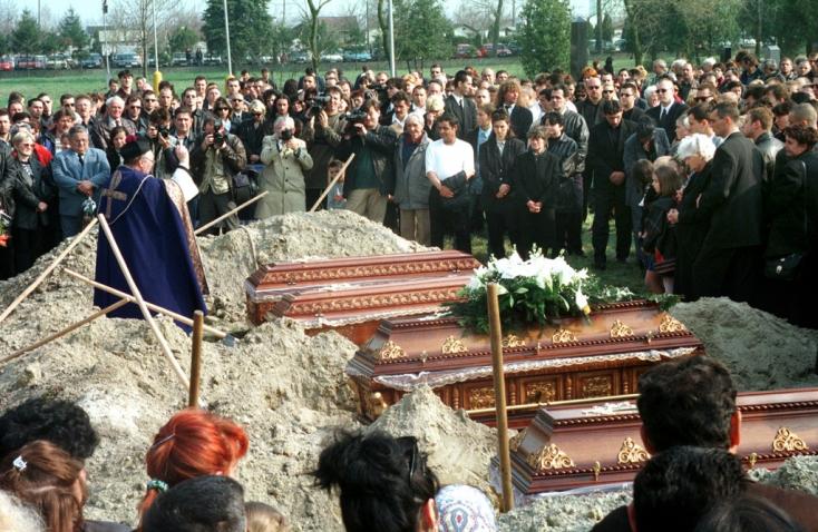 FONTÁNA: 20 év telt el a tízes gyilkosság óta, már az elkövetők többsége is halott