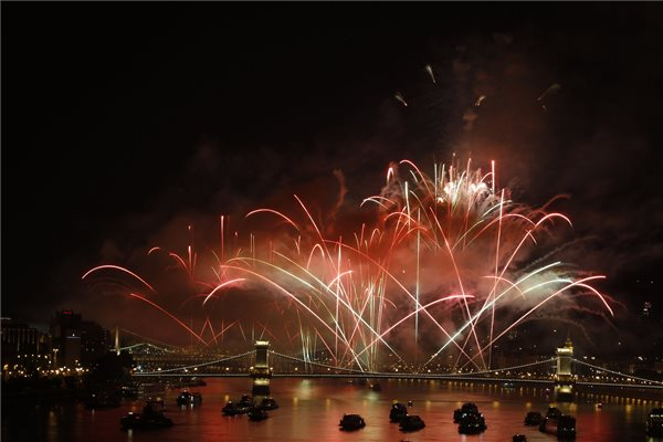 Augusztus 20. - Képeken a budapesti tűzijáték