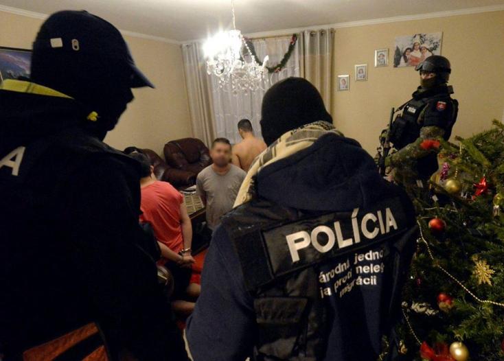 AKCIÓ: Hat személyt vettek őrizetbe emberkereskedelem gyanúja miatt (FOTÓK)