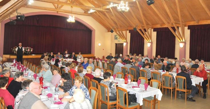 Évzárót tartott az Egyházkarcsai Nyugdíjas Klub