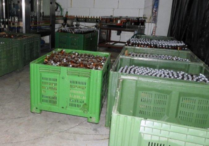 Illegális energiaital-gyárat találtak Somorján, ismert márkát hamisítottak (FOTÓK)