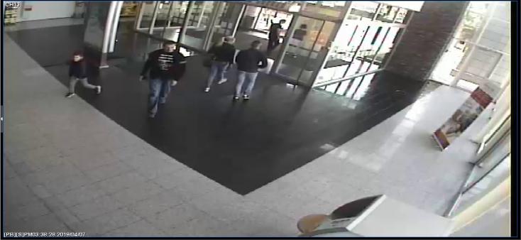 Keresik a fickót, aki 100 eurót lopott a dunaszerdahelyi Maxban