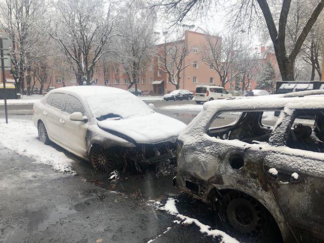 Felgyújtottak egy autót Komáromban!