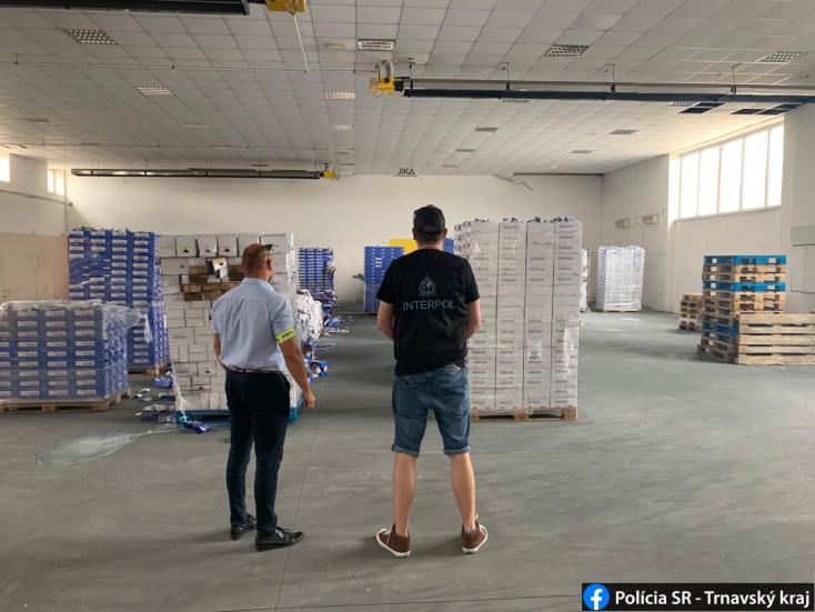 Franciaország helyett Alistálon kötött ki 29 raklapnyi mozzarella, közel 100 ezer euró értékben! (FOTÓK)