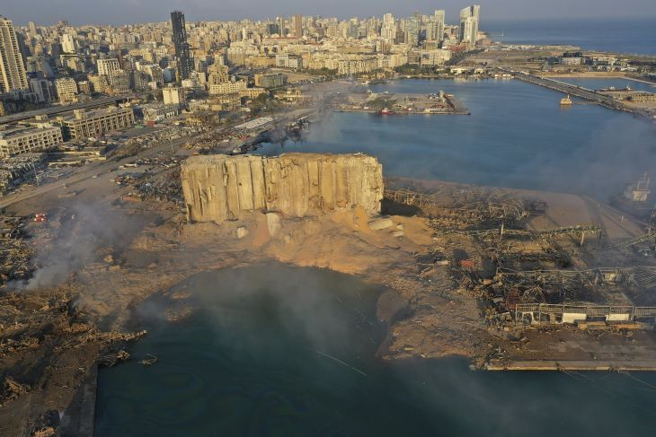 Bejrúti robbanás - Letartóztatták a libanoni vámhatóság vezetőjét