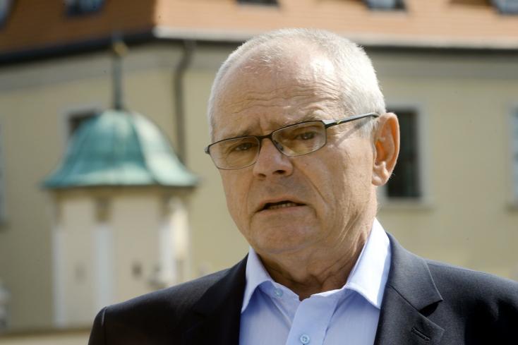 Három évet kapott Kňažko betörője, az expolitikus dühöngött a tárgyalóteremben