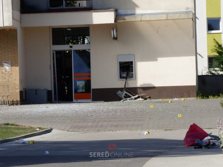 Bankautomatákat robbantottak az éjszaka Szlovákia több részén