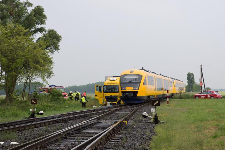 Biztonságosabb lesz az alistáli vasúti átjáró