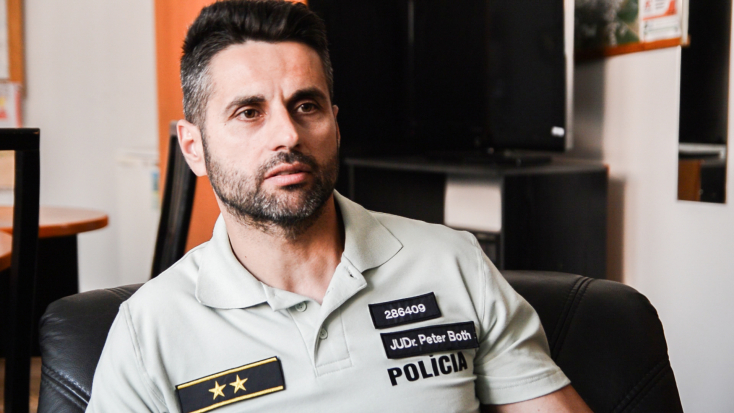 A dunaszerdahelyi rendőrfőnök cáfolja, hogy a titkosszolgálathoz igazolna
