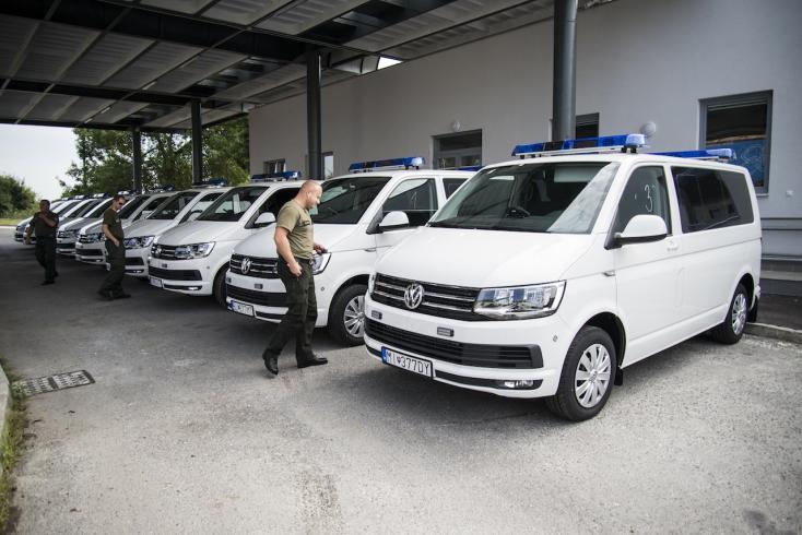 10 új Transportert kaptak a vámosok