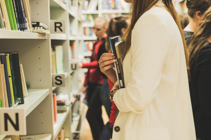 Bővül a komáromi egyetemi könyvtár állománya