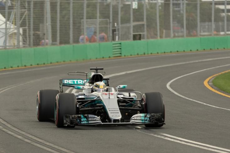 Ausztrál Nagydíj - Hamiltoné az idény első pole pozíciója