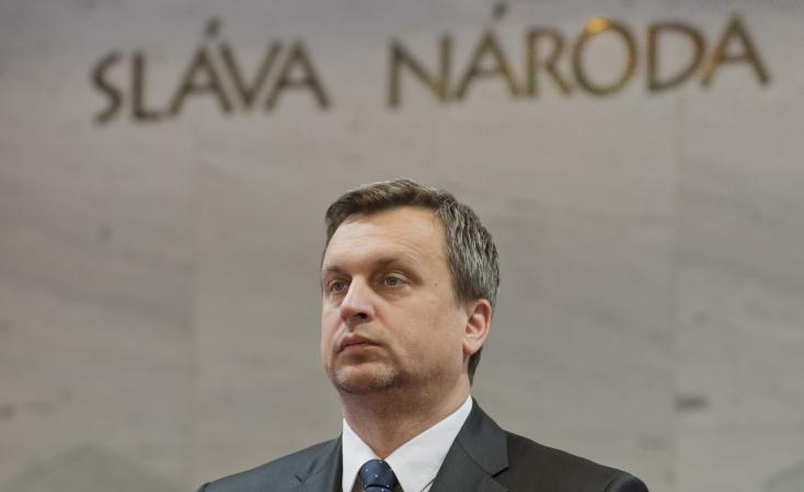 Danko felbontotta a parlamenti képviselők leveleit!