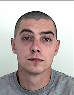 Ezt a férfit keresi a rendőrség – gyilkossággal vádolják