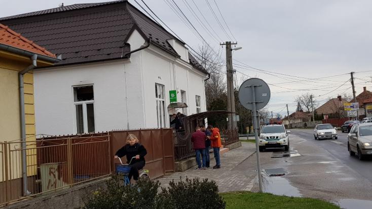 Felrobbantottak egy bankautomatát Ekecsen!