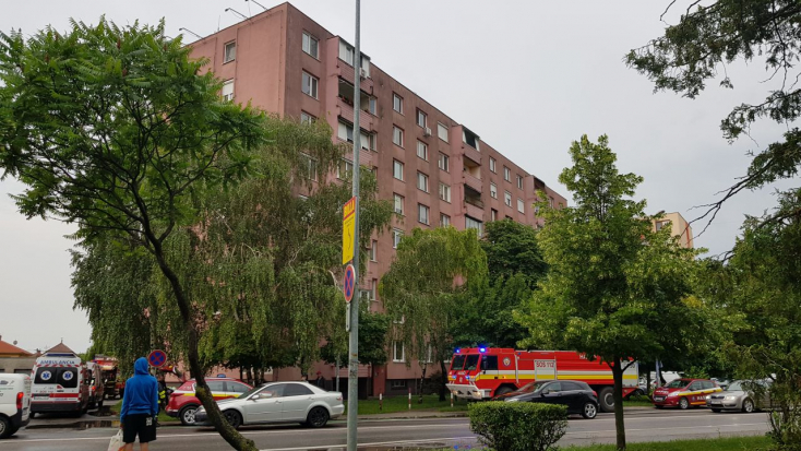 Lakóházban és autóban keletkezett tűzhöz is riasztották a tűzoltókat Dunaszerdahelyen
