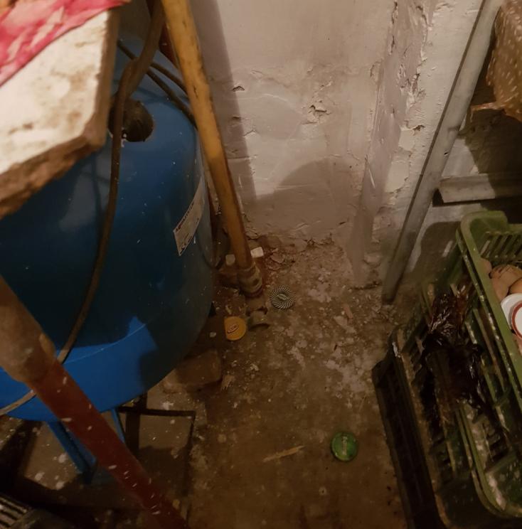 Felrobbant egy családi ház kazánja, súlyosan megsérült a tulajdonos