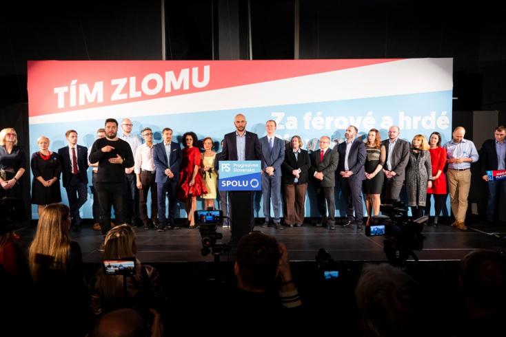 Sok új politikus és néhány magyar: a PS-Spolu bemutatta a teljes listáját