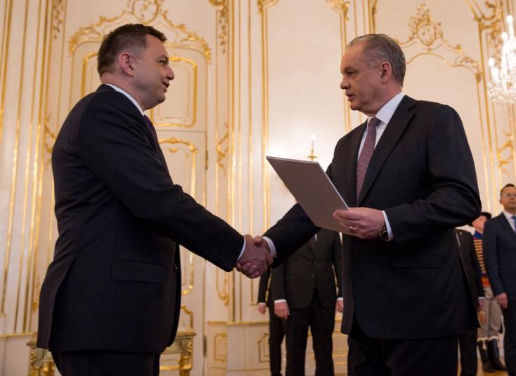 Kiska kinevezte Peter Kažimírt a Szlovák Nemzeti Bank élére
