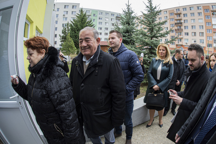 Čaputovának sorakoznia kellett, hogy szavazhasson