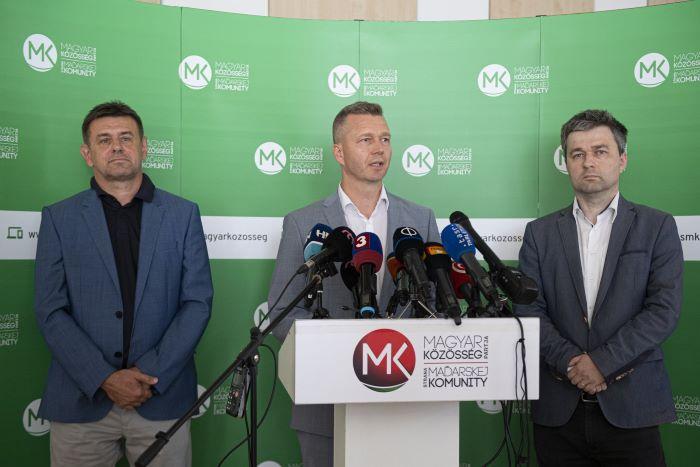 Magyar–magyar (politikai) válogatott meccsek magyar áldozatokkal