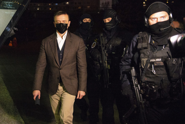 Letartóztatták Szlovákia egyik leggazdagabb emberét, a Penta főnökét (VIDEÓ)