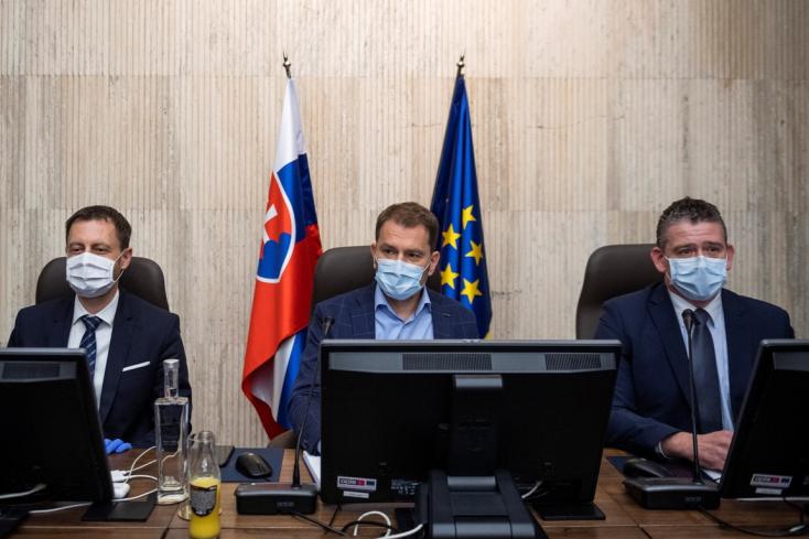 Éjfél után ért véget a kormányülés, közel 40 intézkedést fogadtak el, leváltották Kičurát