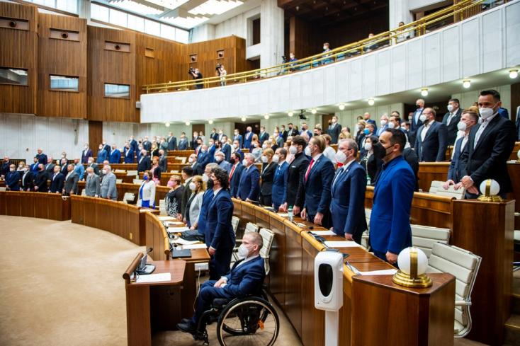 """Kollár nem hajlandó részt venni még egy """"cirkuszban"""", Remišová a kormány újraindításáról beszélt"""