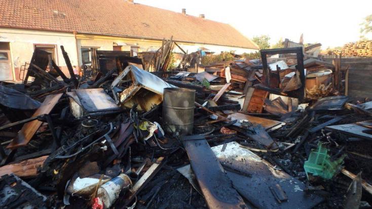 Romhalmaz maradt a hajnali tűz után Diószegen