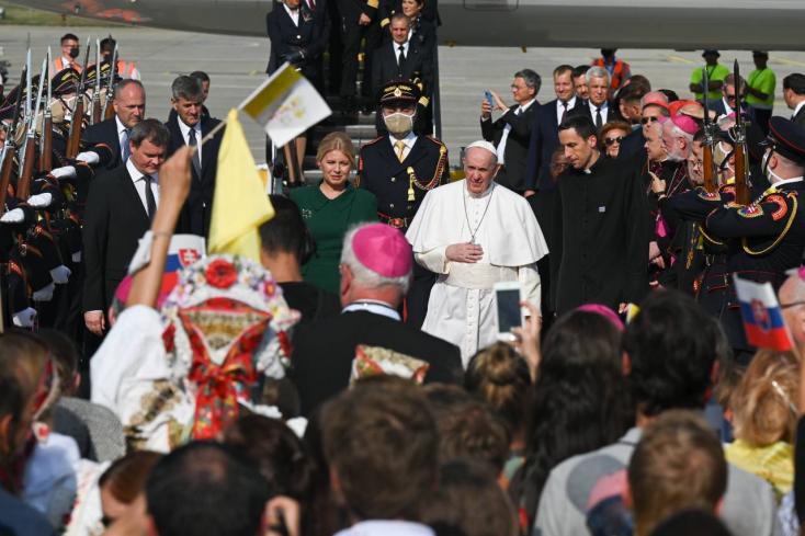Ferenc pápa megérkezett Szlovákiába!