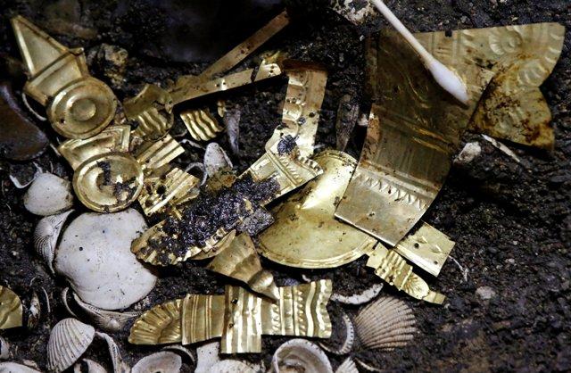 Azték aranydíszekkel ékesített farkas maradványaira bukkantak Mexikóvárosban