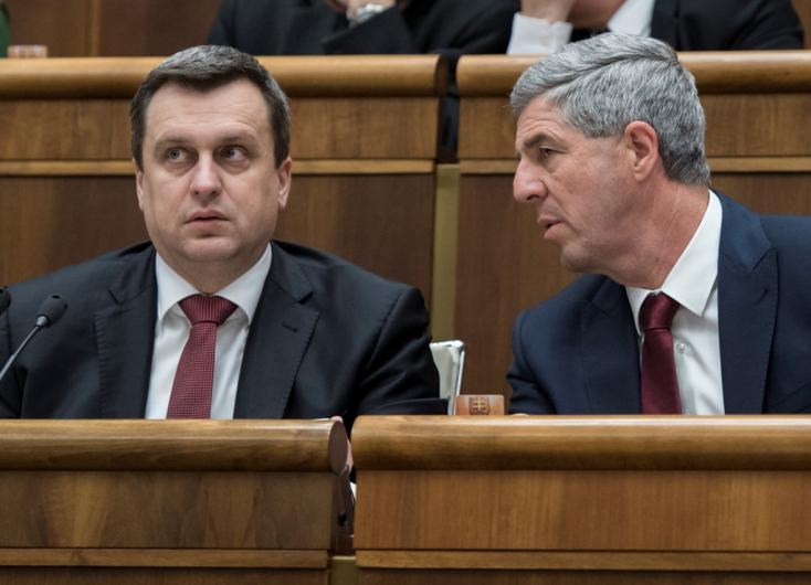 Danko megnyitotta az ülést, Pellegrini kormánya a parlament bizalmát kéri