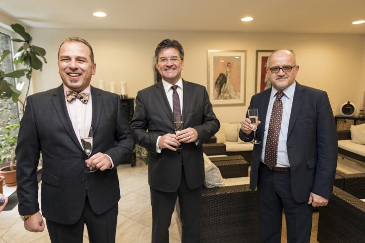 211 ezer euróval tartozik a biztosítóknak a szlovák nagykövet cége