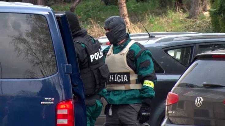 Rendőrségi akció: Drogdílerekre csaptak le a kommandósok