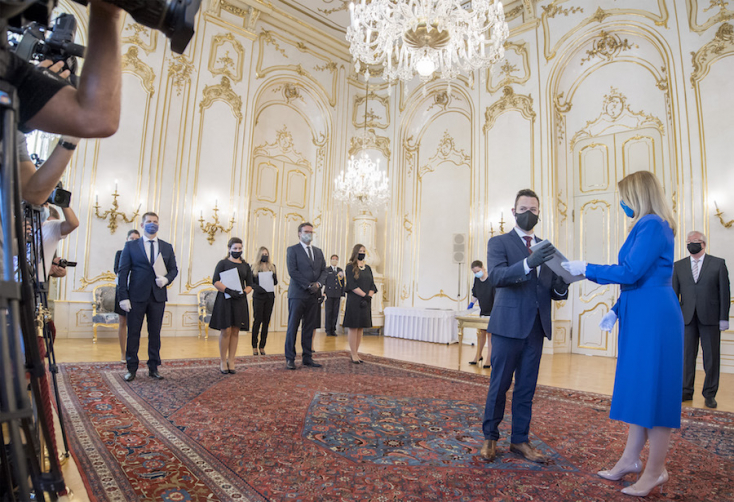 Nyolc fiatal bírót nevezett ki a köztársasági elnök
