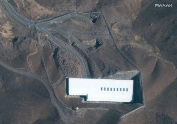 Több mint ezer urándúsító centrifuga működik egy iráni földalatti üzemben