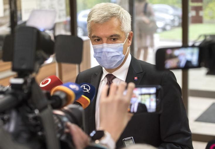 """Magyarország és Lengyelország """"blokkolja"""" az EU költségvetését, a szlovák külügyminiszter szerint vészesen fogy az idő"""