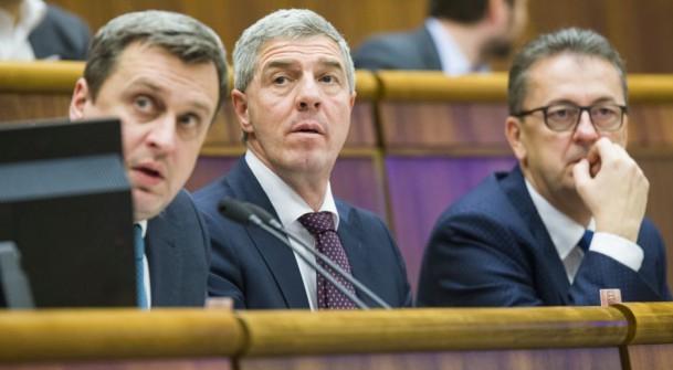 Bugár: A bíróság elismerte az üzenetek eredetiségét, Glváčnak le kell mondania